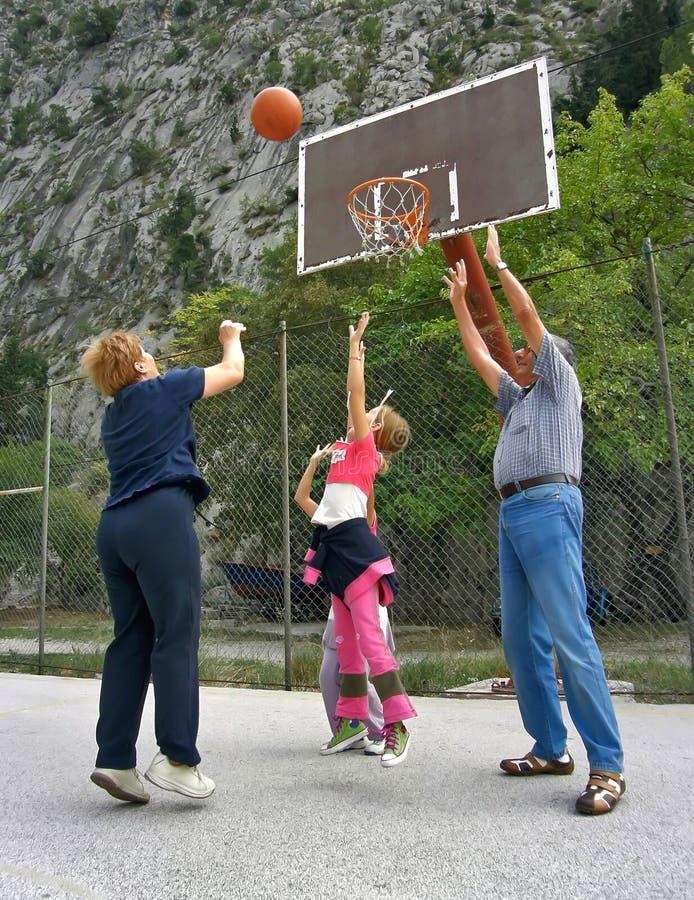 basketmorförälderspelrum fotografering för bildbyråer