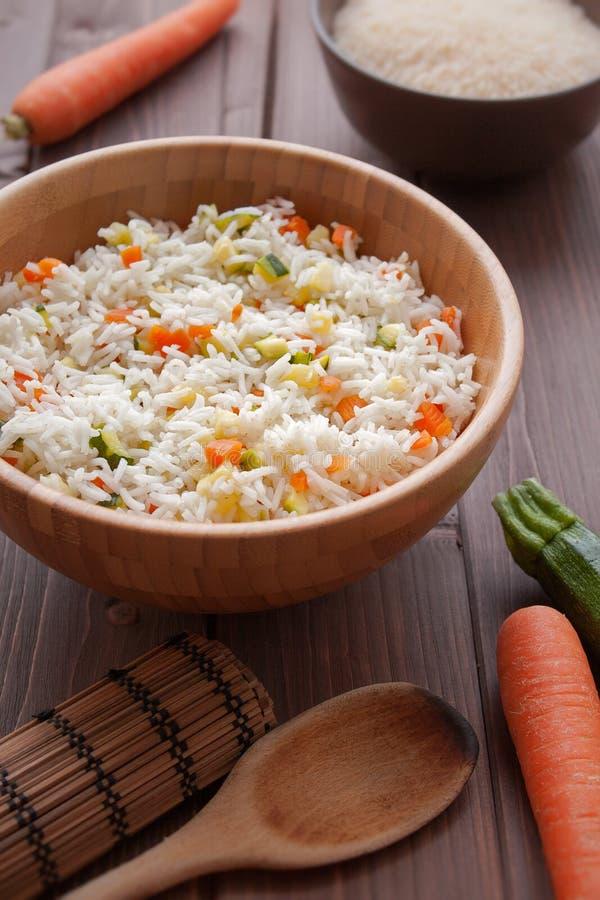 Basmati Rice med veggies fotografering för bildbyråer