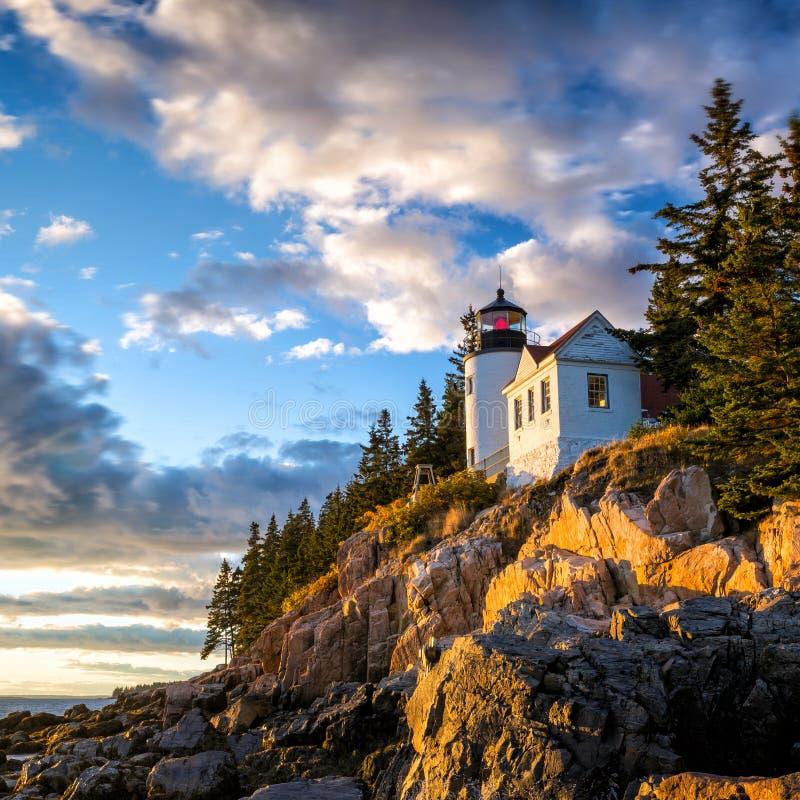 Basowa schronienie latarnia morska przy zmierzchu Acadia parkiem narodowym obrazy royalty free