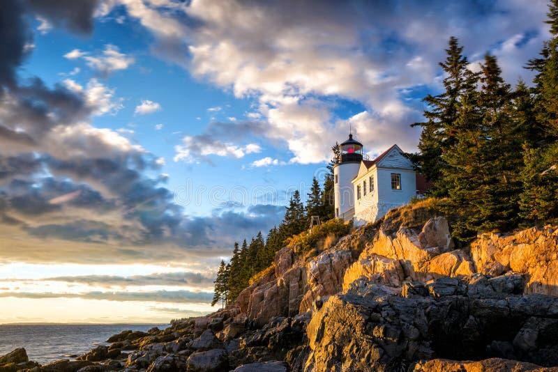 Basowa schronienie latarnia morska przy zmierzchu Acadia parkiem narodowym zdjęcie royalty free