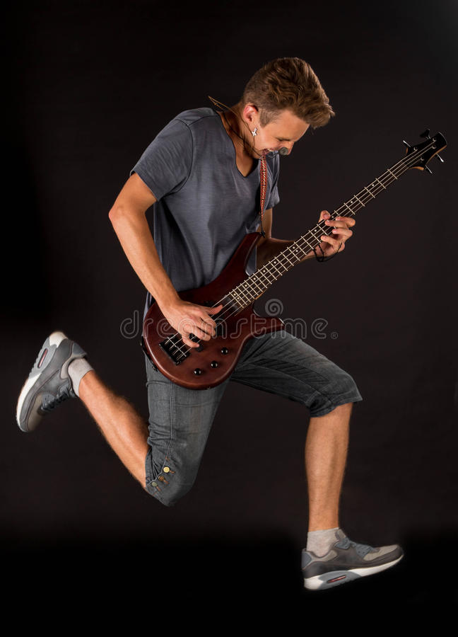 Basowy gitarzysta obraz royalty free