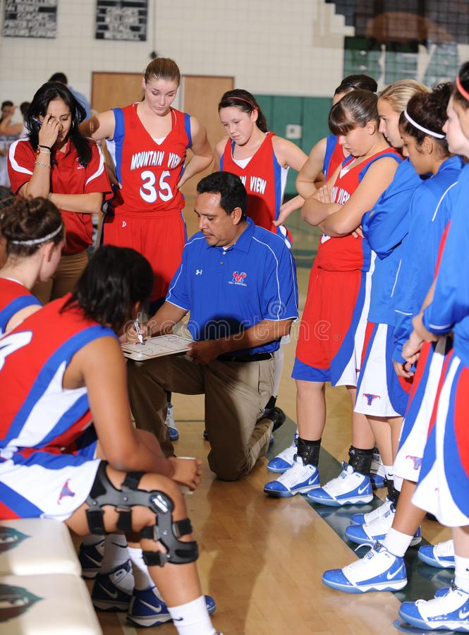 Basquetebol da High School das meninas imagens de stock royalty free