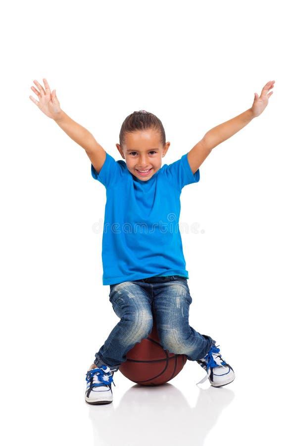 Basquetebol de assento da menina imagem de stock royalty free