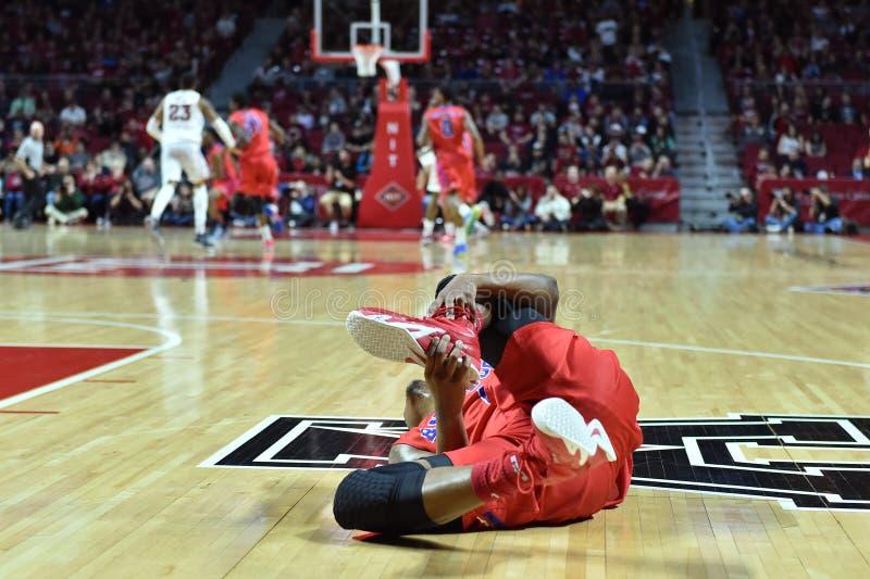 2015 basquetebol do NCAA - Templo-La dos quartos de final da LÊNDEA tech fotografia de stock