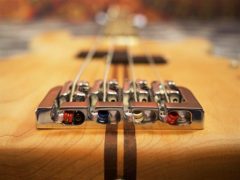 Bass-Gitarre, elektrisches guiar, elektrisches Saiteninstrument stockbild