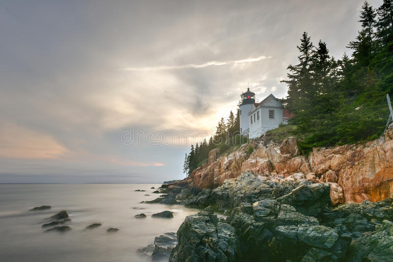 Bass Harbor Head Light Acadianationalpark, Maine royaltyfri bild