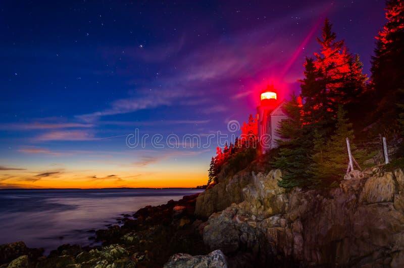 Bass Harbor Lighthouse en la noche, en parque nacional del Acadia, Maine fotos de archivo libres de regalías