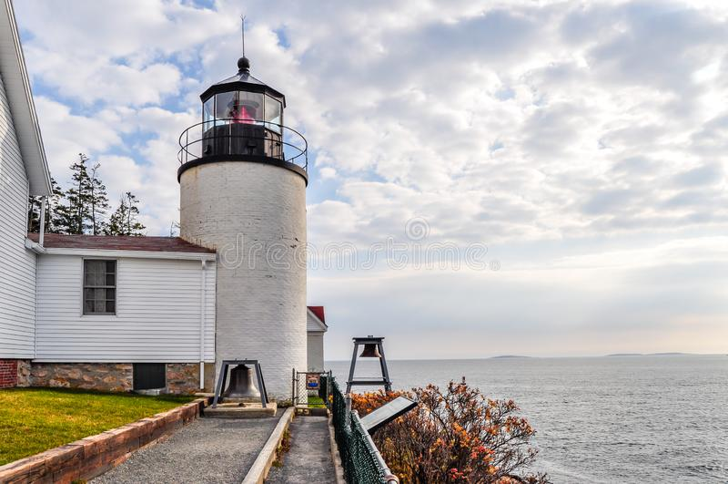 Bass Harbor Lighthouse en parc national d'Arcadie image stock