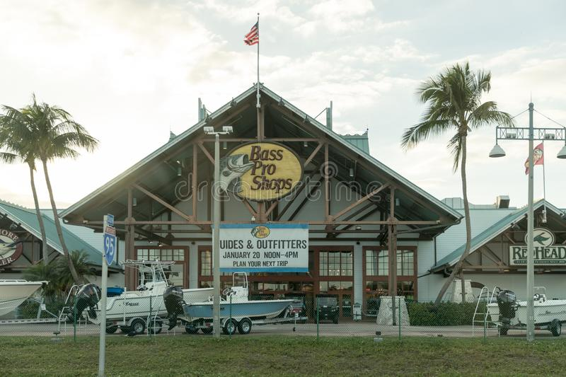 Bass Pro Shops, dont le Rossford a plus de 70 magasins à travers les Etats-Unis photo stock