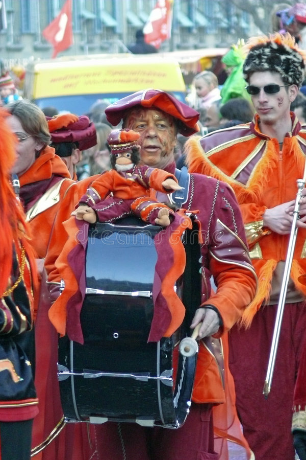 Bassdrummer no carnaval imagem de stock