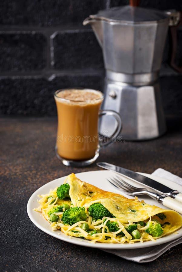 Basse omelette de carburateur de cétonique et café à l'épreuve des balles photo libre de droits