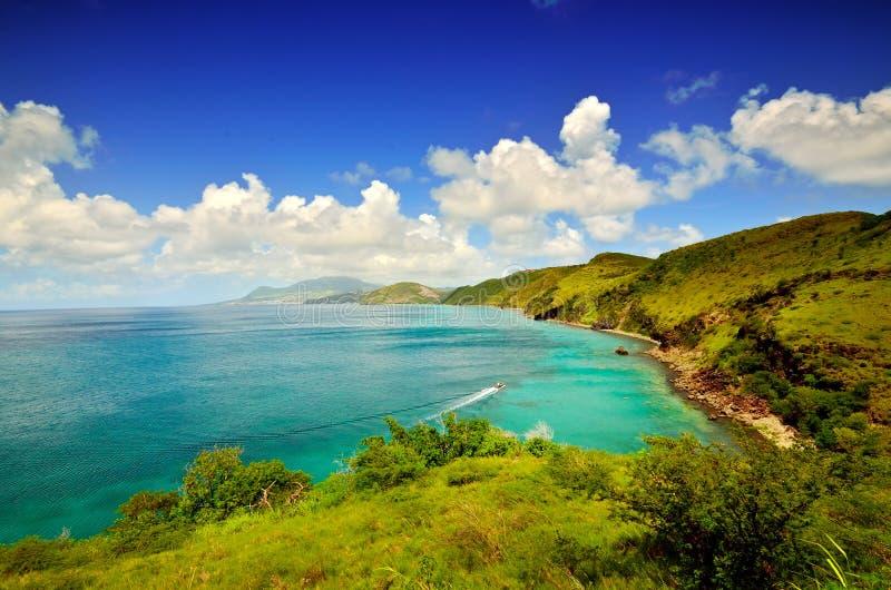 Basseterre St Kitts i bakgrundskustlinjen royaltyfria foton