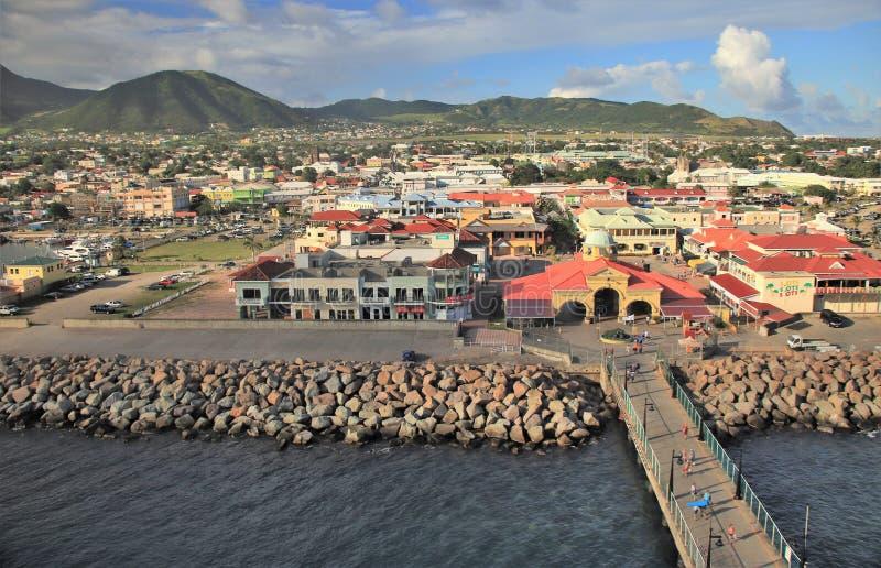 Basseterre St Kitts - 1/24/2018 - kryssa omkring port och terminalen i St Kitts royaltyfri bild