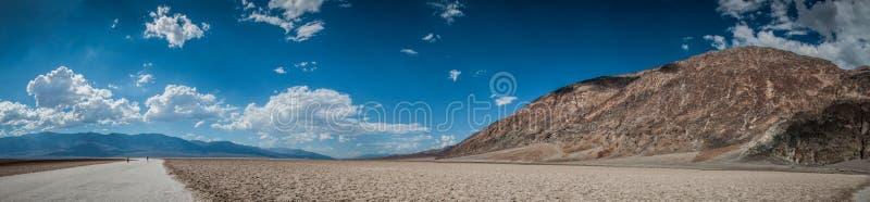 Bassin de l'eau de panorama de Death Valley mauvais photographie stock