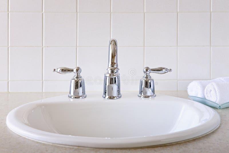Bassin de salle de bains images libres de droits
