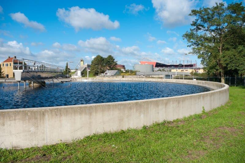 Bassin del tratamiento de aguas residuales foto de archivo libre de regalías