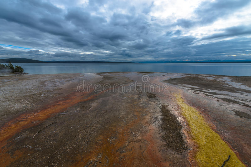 Bassin occidental Yellowstone de geyser de pouce photo libre de droits