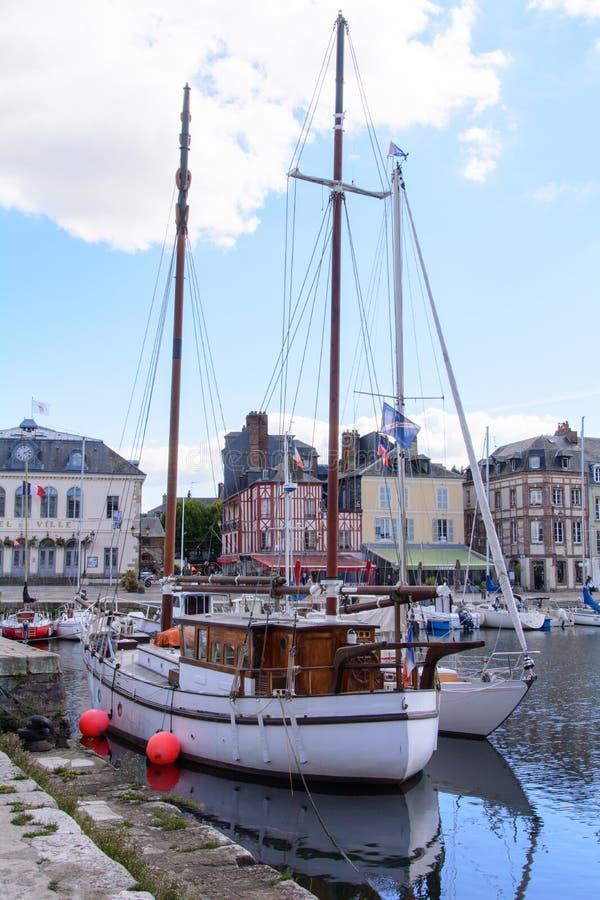Bassin van le vieux in Honfleur Normandië royalty-vrije stock afbeelding