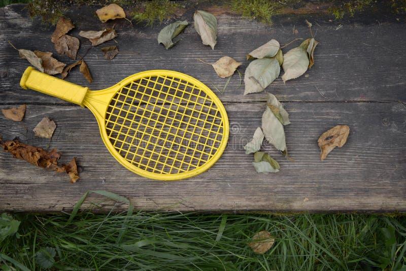 Bastão abandonado do tênis fotos de stock royalty free