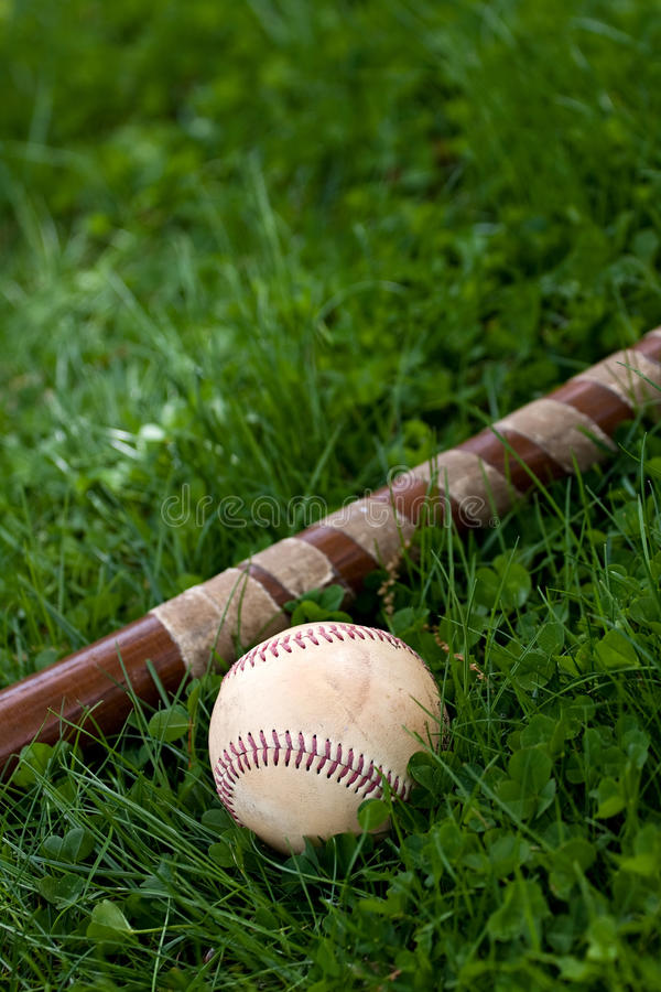 Bastão de beisebol e esfera foto de stock royalty free