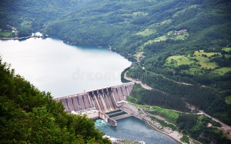 Basta ` εγκαταστάσεων ` Bajina υδροηλεκτρικής ενέργειας στον ποταμό της Drina στοκ φωτογραφία με δικαίωμα ελεύθερης χρήσης