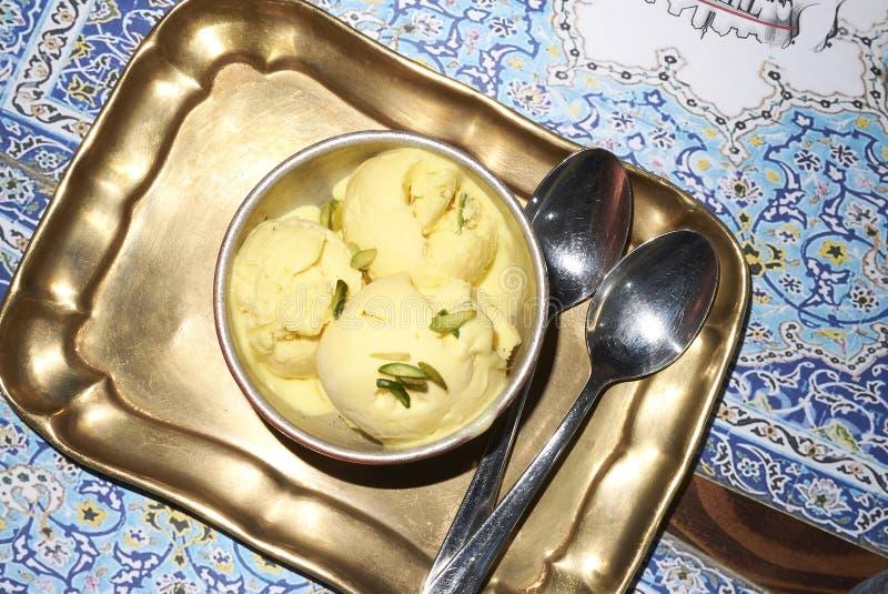 Bastani glass för efterrätt arkivbild