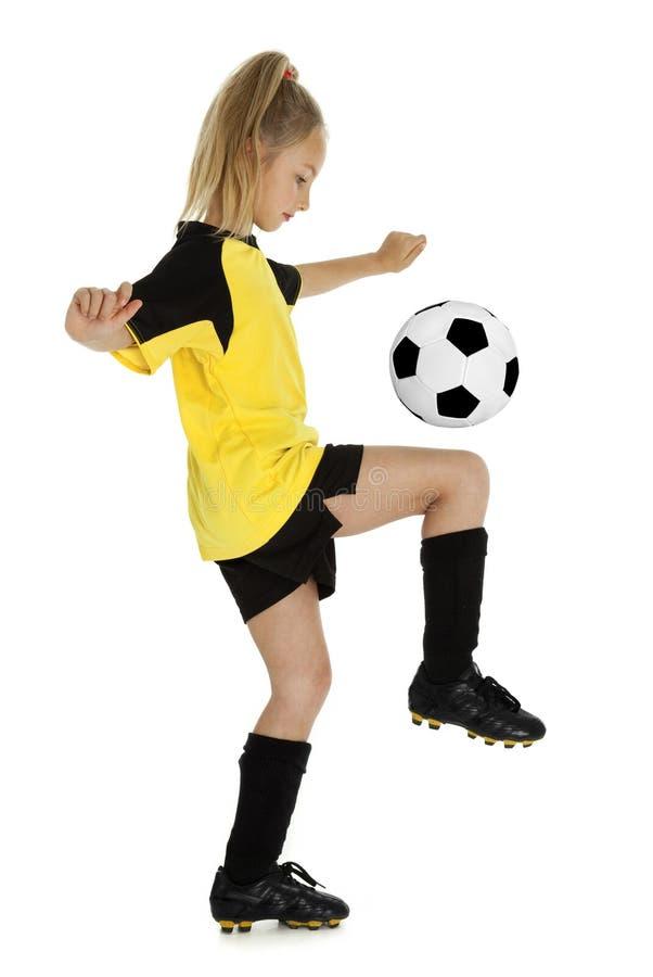 Bastante poca muchacha del fútbol imagenes de archivo