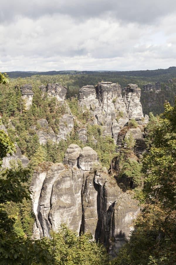 Download Bastei Σχηματισμοί βράχου Γερμανία Στοκ Εικόνα - εικόνα από τοπία, διάσημος: 62722397