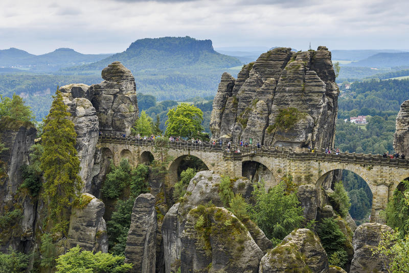 Bastei most od falezy Ferdinand Stein sasa Szwajcaria obraz royalty free