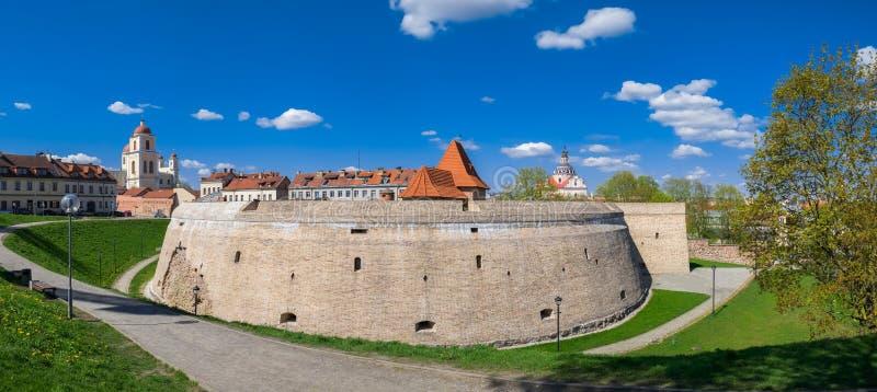 Bastião velho da artilharia na cidade velha de Vilnius, Lituânia fotos de stock