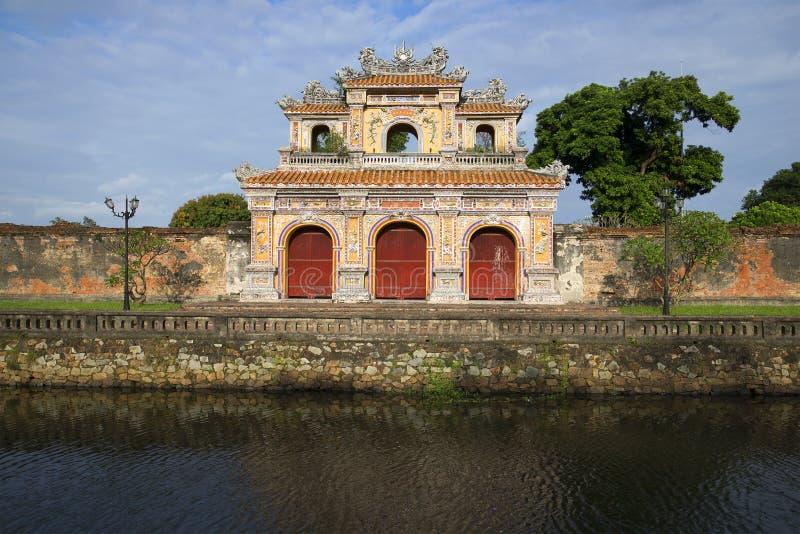 Bastión de la puerta en la ciudad púrpura prohibida Tonalidad, Vietnam fotografía de archivo