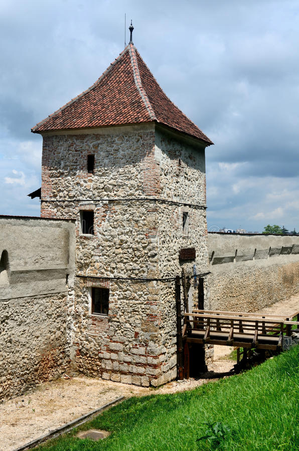 Bastion restaurée de forteresse de Brasov, Roumanie photos stock