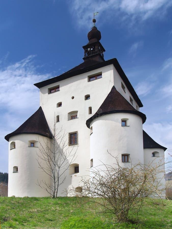 Bastiones masivos del nuevo castillo en Banska Stiavnica fotografía de archivo libre de regalías
