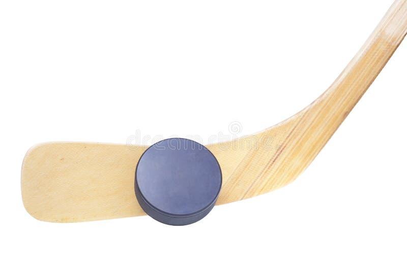 Bastone e disco di gomma di hokey del ghiaccio isolati su bianco fotografia stock