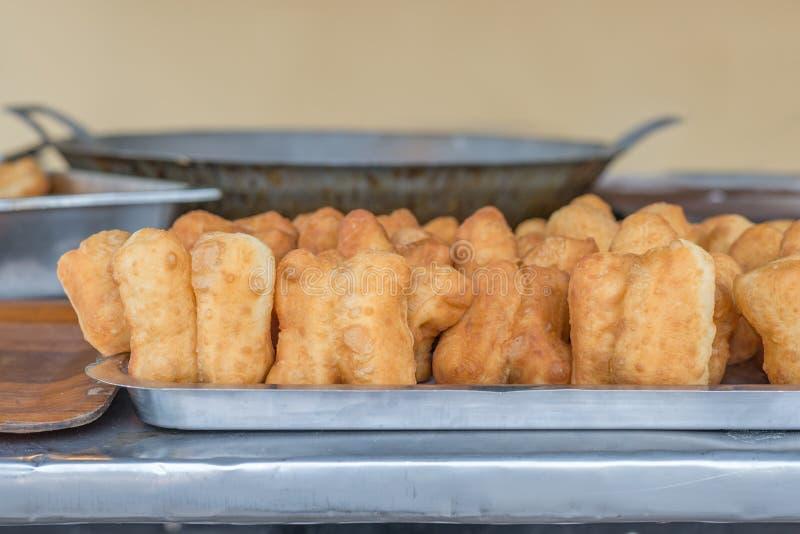 Bastone fritto in grasso bollente della pasta; Ciambella cinese; grissino cinese immagini stock libere da diritti