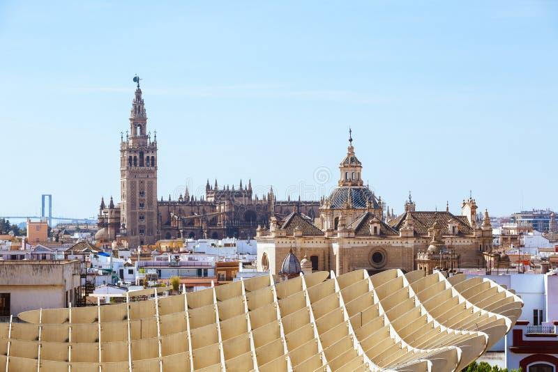 Basztowy Giralda, Katedralny Seville Mary i ?wi?ty widzie?, Metropol Parasol zdjęcia stock
