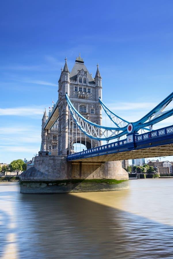 Basztowy most nad Rzecznym Thames, Londyn, UK, Anglia zdjęcia stock