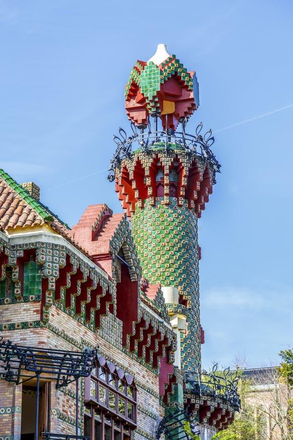 Basztowy szczegół Gaudi Caprico w Comillas obraz stock