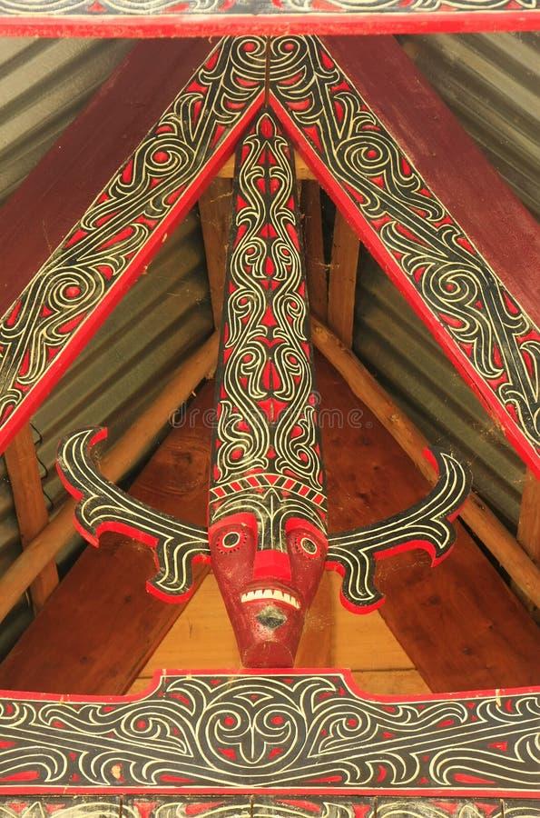 Batak房子的传统装饰在沙摩西岛海岛,苏门答腊上的 库存照片