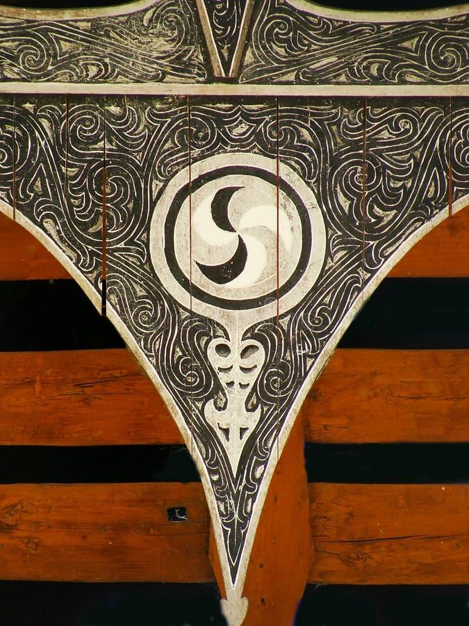 Batak房子的传统装饰在沙摩西岛海岛,苏门答腊上的 库存图片