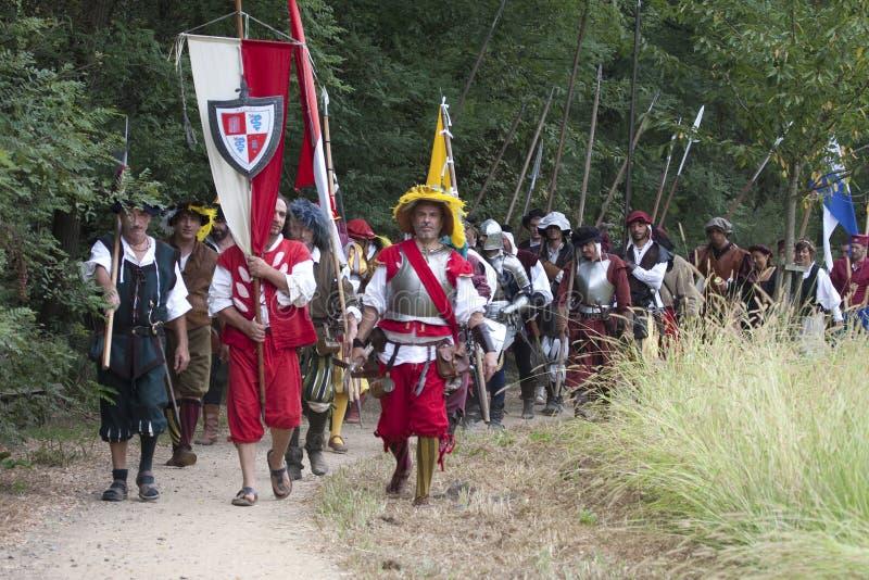Batalha de Pavia: Tropas imperiais no março imagens de stock