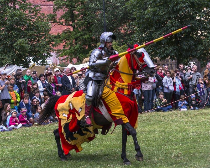 batalistycznego festiwalu dziejowa rycerzy odbudowa fotografia royalty free