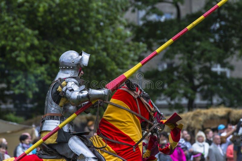 batalistycznego festiwalu dziejowa rycerzy odbudowa obrazy stock