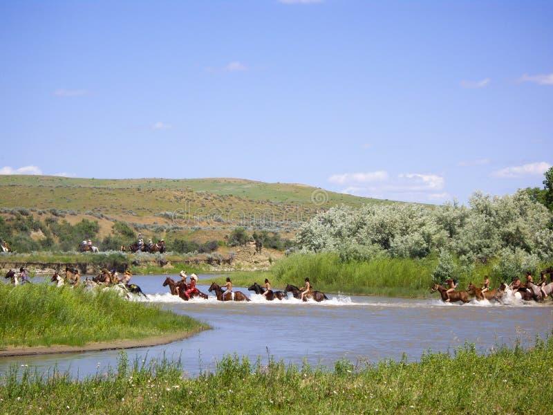Batalistyczny skrzyżowanie indianie przy little bighorn obraz stock