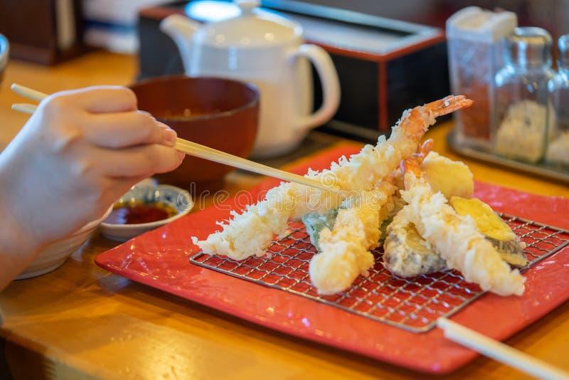 Batalla de camarón frito, famosa comida japonesa popular como alimento principal Concepto nacional de comida, comida saludable, f imagenes de archivo