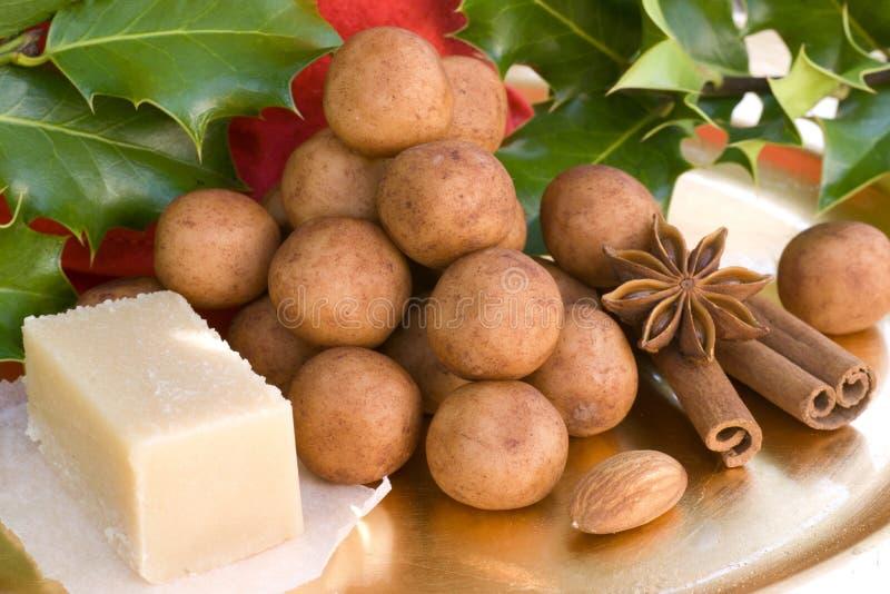 Batatas da pasta da amêndoa imagem de stock