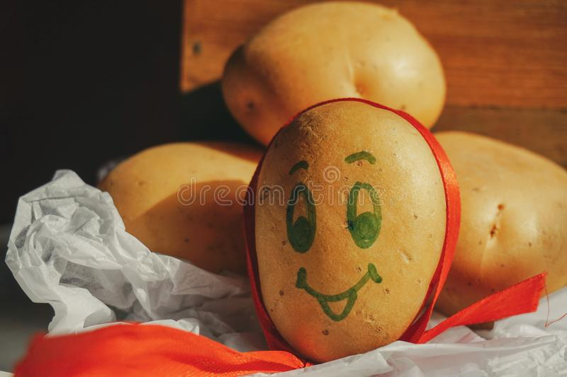 Batatas felizes fotografia de stock royalty free