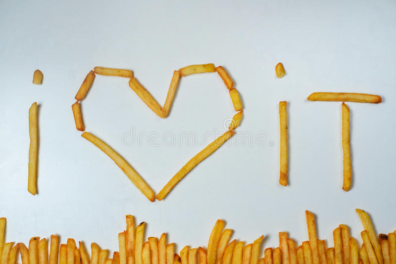 Batatas fritas gordas no fundo branco fotos de stock