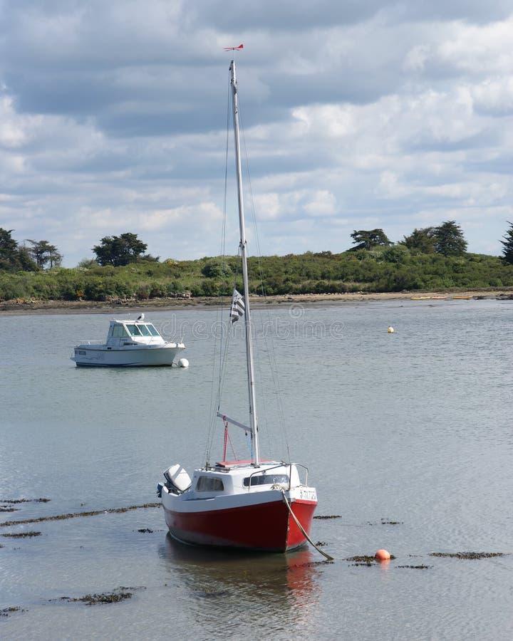 Bateau à la mer de la Bretagne dans les Frances photos stock