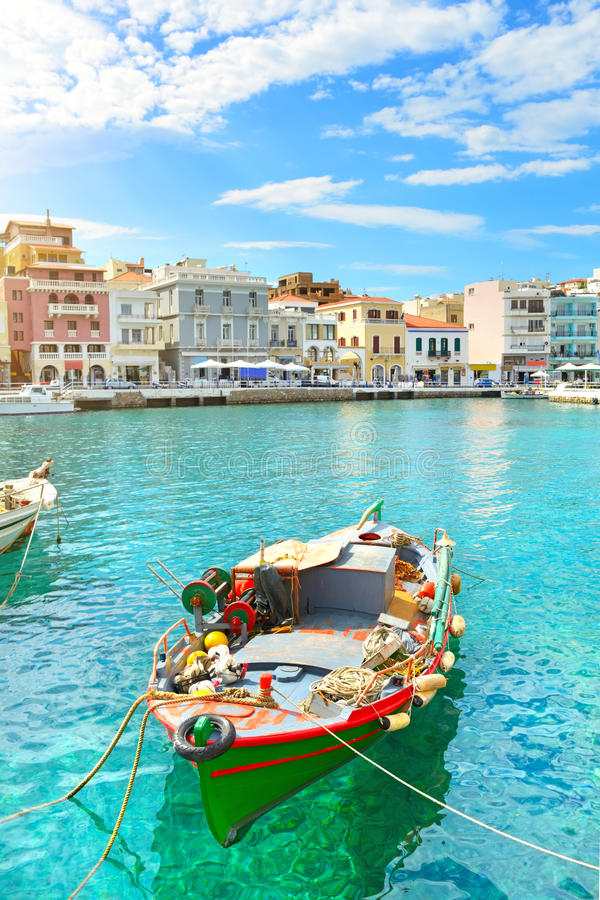 bateau Agios Nikolaos photographie stock libre de droits
